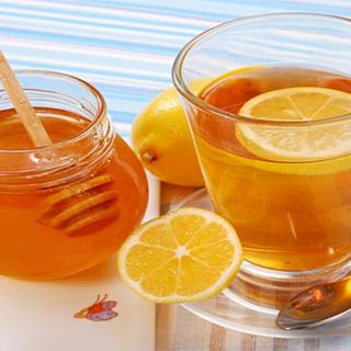 فواید نوشیدن آب و عسل برای سلامتی